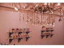 ネイルシェルター 本店の雰囲気(店内の装飾も全てスタッフの手作りです♪)
