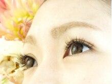 アイルアイズエルサ(I'll Eyes' elsa)の雰囲気(プラチナミンク使用で羽のようなふんわりとした仕上がりに♪)