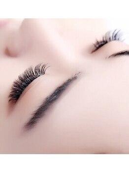 デンパサール アイラッシュアンドネイル 伊丹店(DENPASAR eyelash&NAIL)の写真/【阪急伊丹駅】話題の3Dボリュームラッシュも≪速い・お手頃・キレイ≫☆より自然な目ヂカラUPが叶います♪