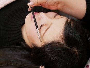 アリィー アイラッシュ(ariy eyelash)の写真/表情筋に合わせて似合う眉に。黄金比をベースにした美眉で小顔効果◎自眉が整い眉毛の悩みを解決!