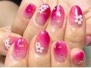 ピンク。桜舞う