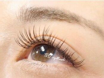 トゥルー 大宮店(TRU NAIL&eyelash)の写真/【期間限定!フラットラッシュ140本¥4990/160本¥5990】自まつ毛にしっかりフィット!印象的なお目元へ♪
