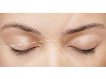 ラカーロ アイラッシュ(La CARO eyelash)の写真/【お顔の黄金比美眉+スレッディング脱毛】お顔の骨格に合わせた最適な眉の形をお作りします♪