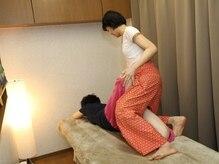 アリーマッサージサロン(Aree Massage Salon)の雰囲気(ぐいーっと伸ばしてスッキリ気持ちいい☆身体が硬くてもOK!!)