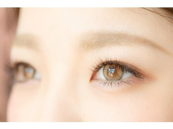 ネイルアンドアイサロン エコル 富雄店(Ekolu)の写真/清楚な瞳で好感度UP♪自然なまつ毛ですっぴんが可愛いと言われる事間違いなし!オフィスでも浮かない目元♪