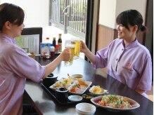 天然温泉 花咲の湯 ハナサキ スパ(HANASAKI SPA)の雰囲気(メニュー豊富なレストランは館内着のまま利用OK。)