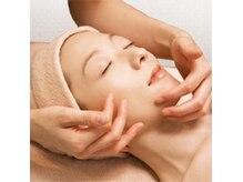 化粧品会社直営店ならではの極上の基礎化粧品で美肌へと導きます