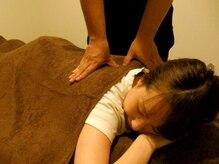 アールイー(Re)の雰囲気(【マタニティ】横向きで抱き枕を使用した状態で施術を行います。)