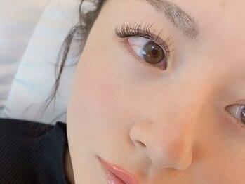 アイウィッシュ(EyeWish)の写真/最軽量ウルトラグードラッシュフラットタイプ!持続力/まつ毛の健康を守るオプション&ケアメニューをご用意*