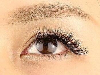イズム アイラッシュ(ism eyelash)の写真/圧倒的なモチの良さ◎【フラットラッシュ120本¥4500◆ダブルフラット(バインドロック)200本¥6500】
