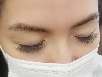 オリアイラッシュ(oli eyelash)の写真/極上エクステで人気のグレージュカラーやくすみカラーを♪さりげないカラーでワンランク上の上品さを演出☆