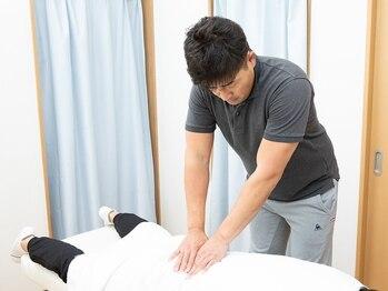 長岡京中央整体院の写真/プロの技で腰痛改善!【初回¥6000→¥3700】業界歴16年で培った豊富な知識とキャリアで腰痛の原因を根本改善!