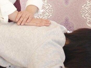 睡眠改善専門 サロン 萃(Sui)の写真/【緩めるケア熟睡ボディセラピー&ヘッドマッサージ90分 呼吸を整えガチガチの心と体に効く★】