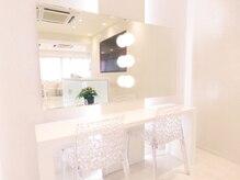 ケイ ビューティーラボ 吉祥寺駅前店(K Beauty Labo)の雰囲気(化粧直しが出来るように清潔感のあるお部屋を完備)