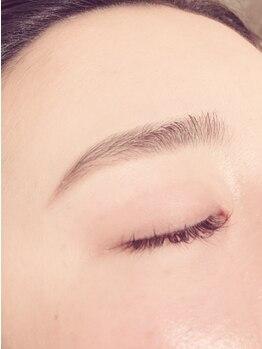 アレグリア(Alegria)の写真/【眉毛はサロンで整える時代!】ワックス脱毛で骨格似合わせ美眉を実現☆アイブロウ+マツエクメニューも◎