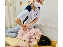 みやさか治療院の雰囲気(大腰筋(腸腰筋の一部)に刺激をいれて整える=骨盤矯正される!)
