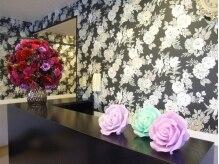 薔薇で統一された店内☆アットホームな空間でお寛ぎ下さい♪