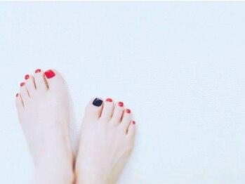 セン フロム テン(Sen...from ten.)の写真/爪だけじゃなく足そのものから◎お肌に潤いを与えつるつるかかとに◎細かいところまでキレイをキープ☆