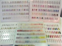 約400種類から選べます!カラー、ホロ、ラメ、スカルプ。