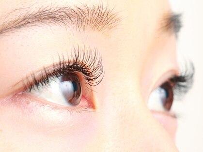 アイラッシュ グランジュテ(eyelash grand jete)の写真