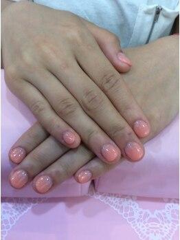 シャンネイルケアサロン(Shan Nail caresalon)の写真/地爪に優しく扱いやすいハードジェル。ナチュラルで自然な長さ足しを(長さ足しジェルクリア1本¥1320)