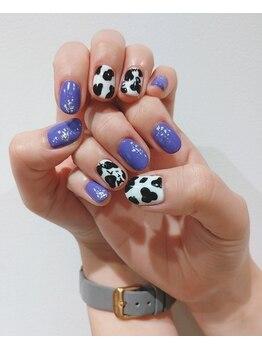 イデア 柏の葉T-SITE(idea)/紫と牛さんデザイン