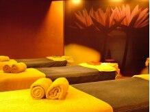 蓮の花が象徴的なベッドスペース