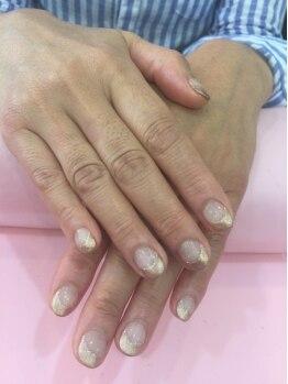シャンネイルケアサロン(Shan Nail caresalon)の写真/若々しい極上美肌へ。地爪本来の良さを引き出し、手全体の美しさを保ちます。≪エイジングケアコース≫