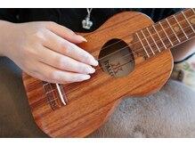 楽器を演奏する方の爪の補強もご相談下さい。