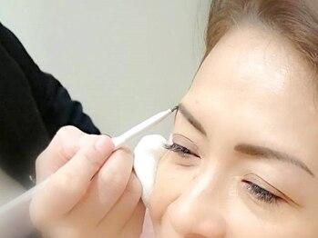 サンク アール(CinQ-R)の写真/「眉毛をどう整えたらいいかわからない…」「左右を同じにしたい」そんな悩みを解決致します。