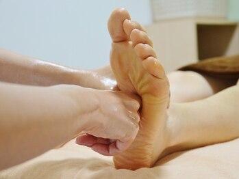 健康堂整体院の写真/[足裏療法40分¥5200→¥3400]足がむくんでると感じたら迷わずに!O脚、X脚が気になる方にもおススメ♪