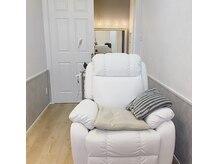 個室完備でマツエク・ネイル・フェイシャルの同時施術も可能!