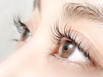 アイネイル(eyenail)の写真/【ダメージレスまつ毛パーマ上¥4980/上下¥6980】アミノ酸&ケラチンのケア付でダメージレスにパッチリEYE♪
