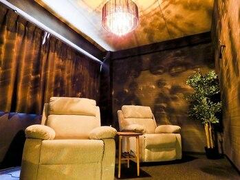 ドライヘッドスパ 夢頭空間の写真/お友達・カップルでのご来店OK!完全個室のプライベート空間で眠りに落ちる極上のヘッドスパをお試し下さい