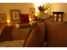 エクビオ(ecoubio)の雰囲気(タイ古式は床マットで。広々とした贅沢スペースを独り占め!)
