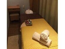 ラフィネプリュス 浦和パルコ店の雰囲気(仕切りのカーテンを開ければ、ペアでの施術も受けられます♪)