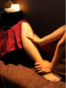 らっくす 大山駅前店の写真/【全身もみほぐし+足つぼコース60分4100円→3800円】アジアンリゾート風サロンで気分も身体もリラックス♪
