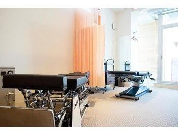 ヴィダカイロプラクティック 大宮整体院(VIDA)/院内は最新ベッドが揃っています