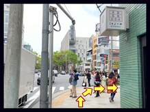 アンフィ トーキョウ 表参道店(Amphi Tokyo)の雰囲気(A4出口でて右に曲がる→交差点を右に曲がる)
