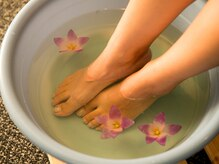 リスタ(Resta)の雰囲気(全身から血行を良くする為 足湯から行っていきます。)