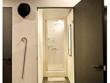 ムッシュ カナザワ(KANAZAWA)の雰囲気(20時まで営業◎仕事帰りも通いやすい☆綺麗なシャワー室完備!)