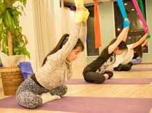 エアリアルヨガスタジオ エアラビ(AIR RAVI)の雰囲気(引っ張られる力で伸ばしつつ美キレイな筋肉を鍛えます♪)