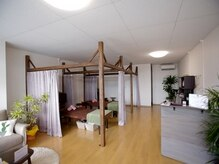 サンフラワー(sunflower)の雰囲気(カーテンで仕切られた半個室空間でお寛ぎ下さい♪)