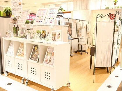 ネイルネイル 三宮OPA2店の写真