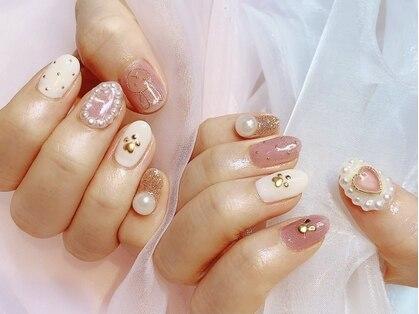 ネオリーブドレスネイルアンドアイラッシュ(Neolive dress nail&eyelash)の写真