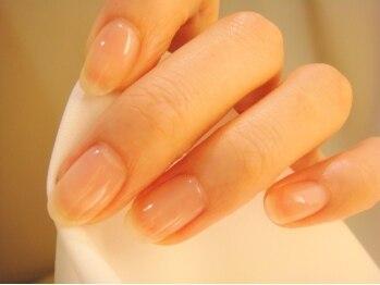 アロアロネイル(aloalo nail)の写真/折れやすい爪や短く小さい爪の悩みにも丁寧に対応♪自爪の甘皮ケアやジェルの長さ出しなどメニューも豊富!