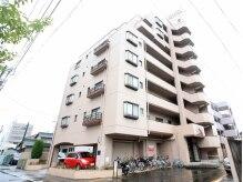 名鉄岩倉駅より徒歩約3分の好立地♪岩倉市役所が目印です!