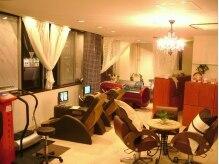 ジュリアンマーラビューティラウンジ(Julien Mara Beauty Lounge)