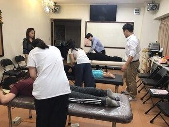 カラダドクター整体院/台湾での技術指導