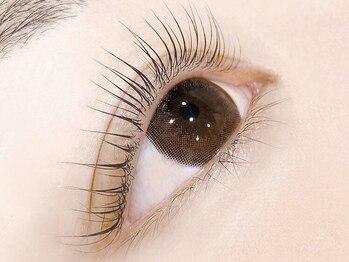 キャリーアイズ(Carry eyes)の写真/【パリジェンヌラッシュリフト初回¥5980】キープ力・仕上がりの美しさ◎エクステNGの方も憧れの美まつげに!